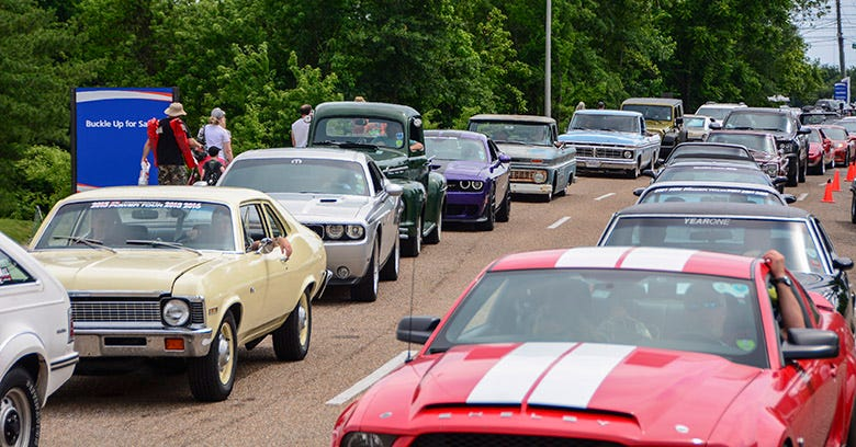 Hot Rod Power Tour Blasts through Chattanooga, Tennessee